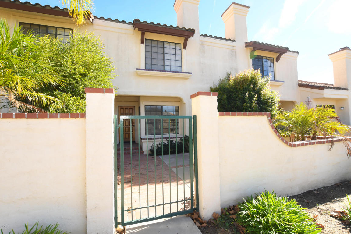228 Country Club Drive, Simi Valley, CA 93065