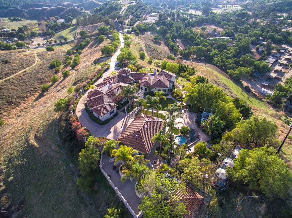 8404 Waters Road, Moorpark, CA 93021