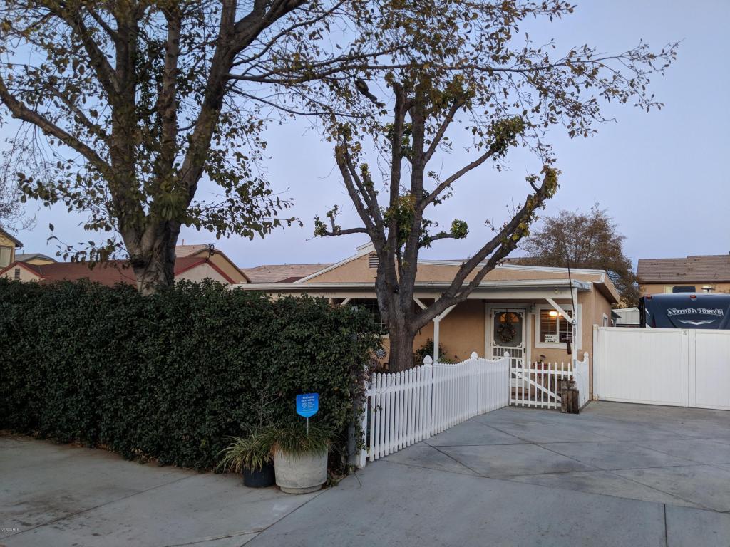 90 Fremont Street, Moorpark, CA 93021