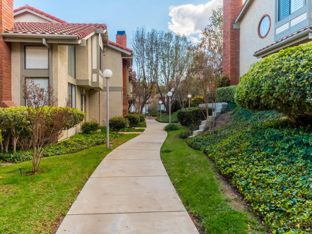 6851 Valley Circle Boulevard, West Hills, CA 91307
