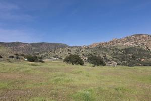 6440 Summit Village Lane, Simi Valley, CA 93063