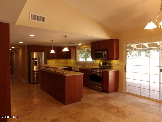 389 E Gainsborough Road, Thousand Oaks, CA 91360