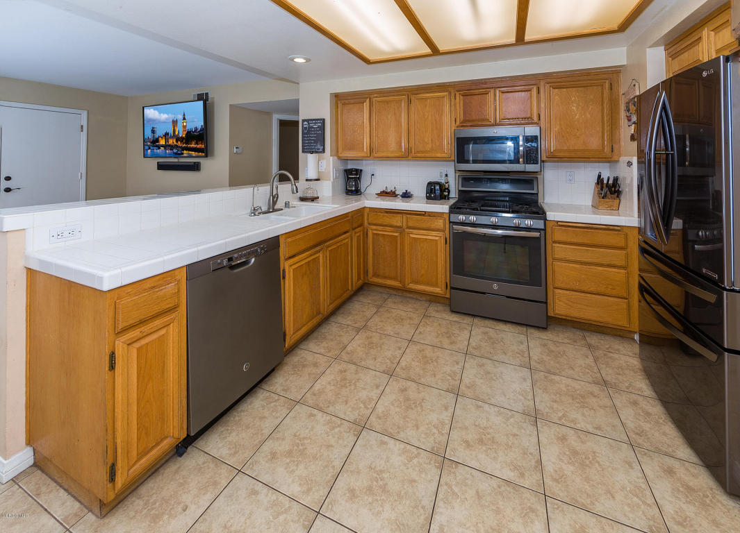1054 Via Pacifica, Santa Paula, CA 93060