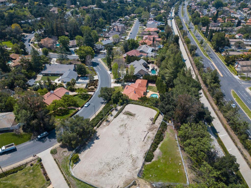 Hunt Club Lane, Westlake Village, CA 91361