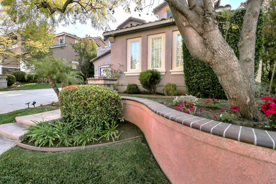 393 Canyon Crest Drive, Simi Valley, CA 93065