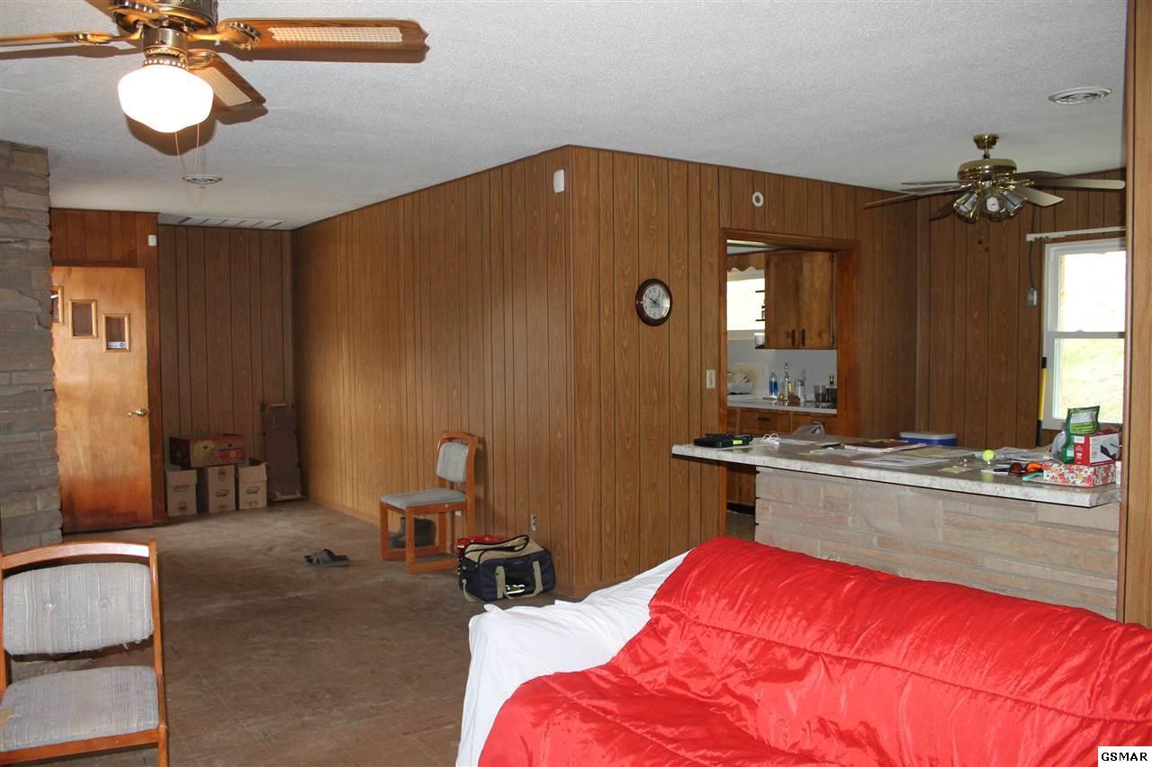 733 W Main St, Sevierville, TN 37862