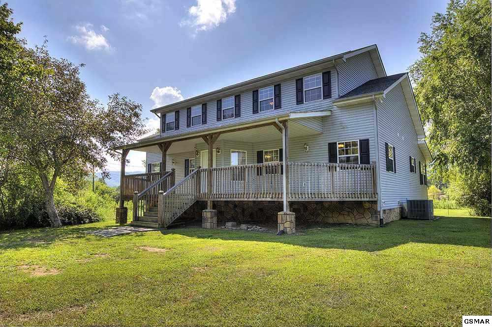 3056 Hatcher Mountain Road, Sevierville, TN 37862