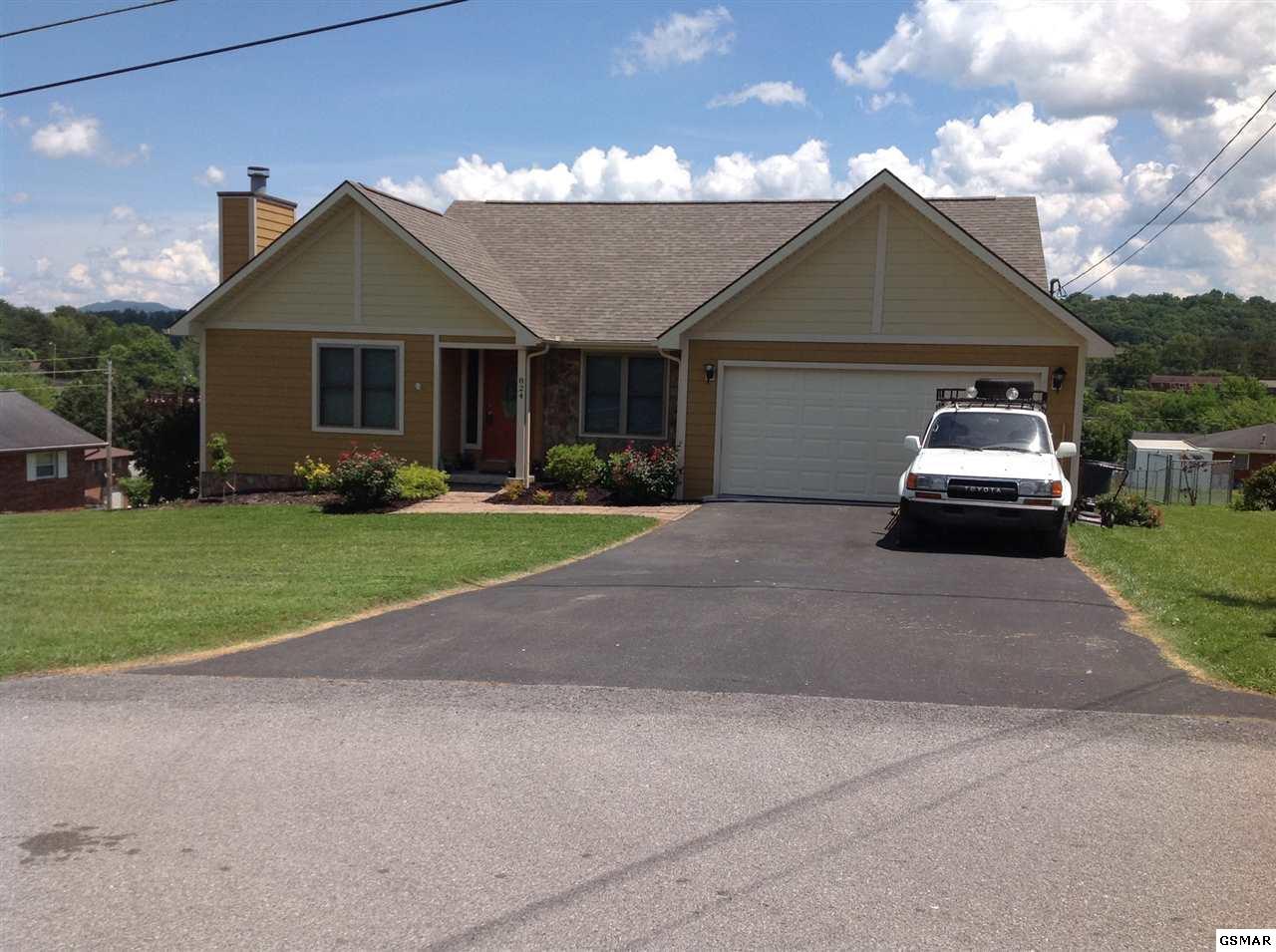 824 Hiwassee St, Newport, TN 37821