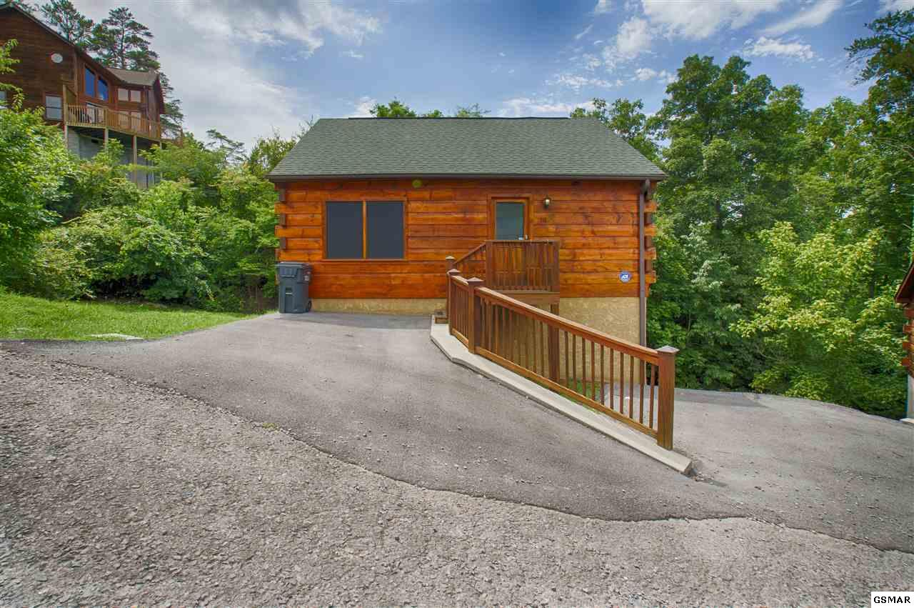 318 Silver Stone Way, Pigeon Forge, TN