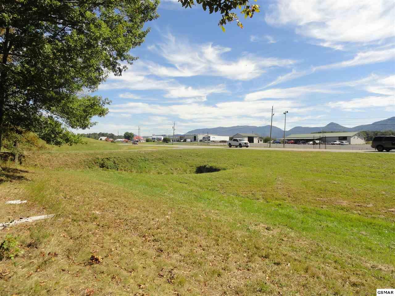 Lot 3 Newport Hwy, Sevierville, TN 37876