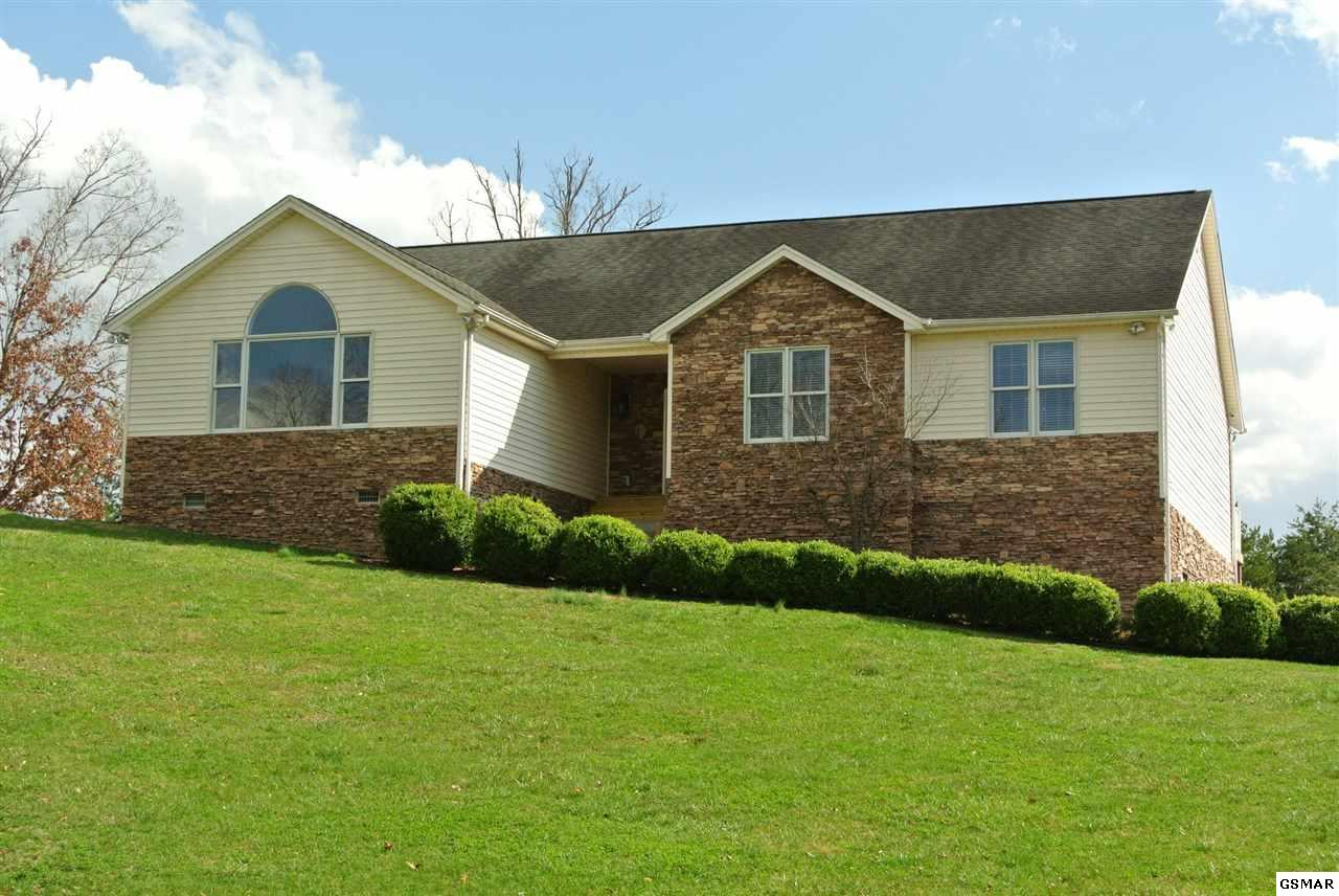 519 Downing Ln, Sevierville, TN 37876