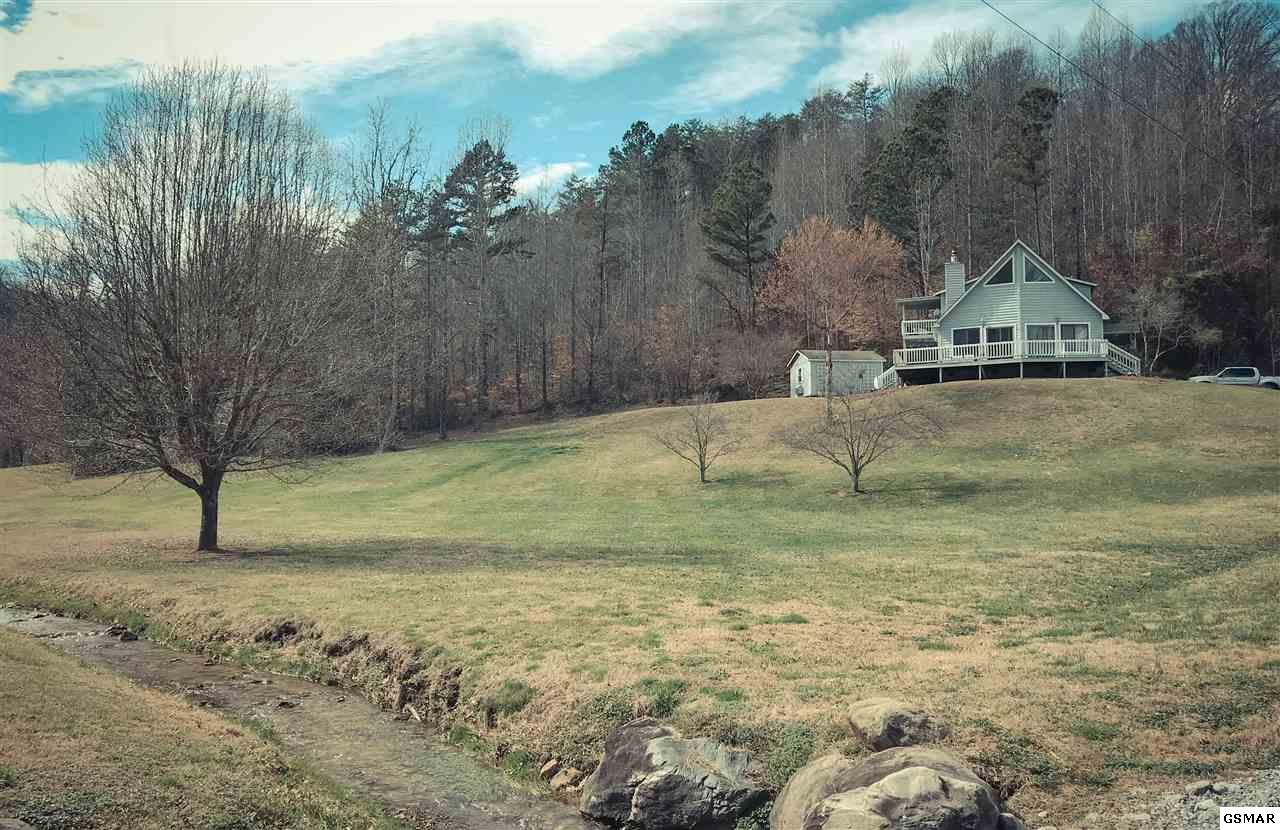 2365 Seaton Springs Rd, Sevierville, TN 37862