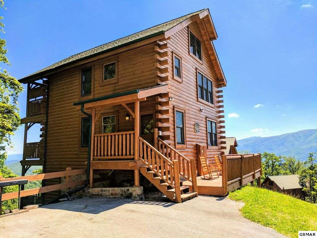 3131 Lakeview Lodge Rd, Sevierville, TN 37862