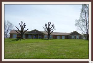 1737 Oakdale Dr, Dandridge, TN 37725