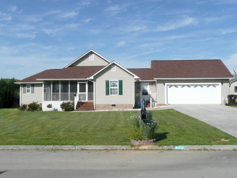 222 Wind Chase Drive, Madisonville, TN 37354