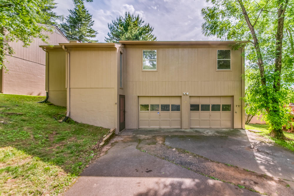 8709 Olde Colony Tr, Knoxville, TN 37923