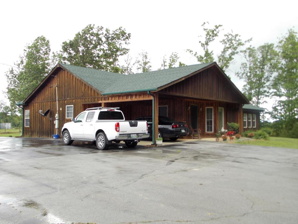 3722 Glade Creek Rd, Sparta, TN 38583