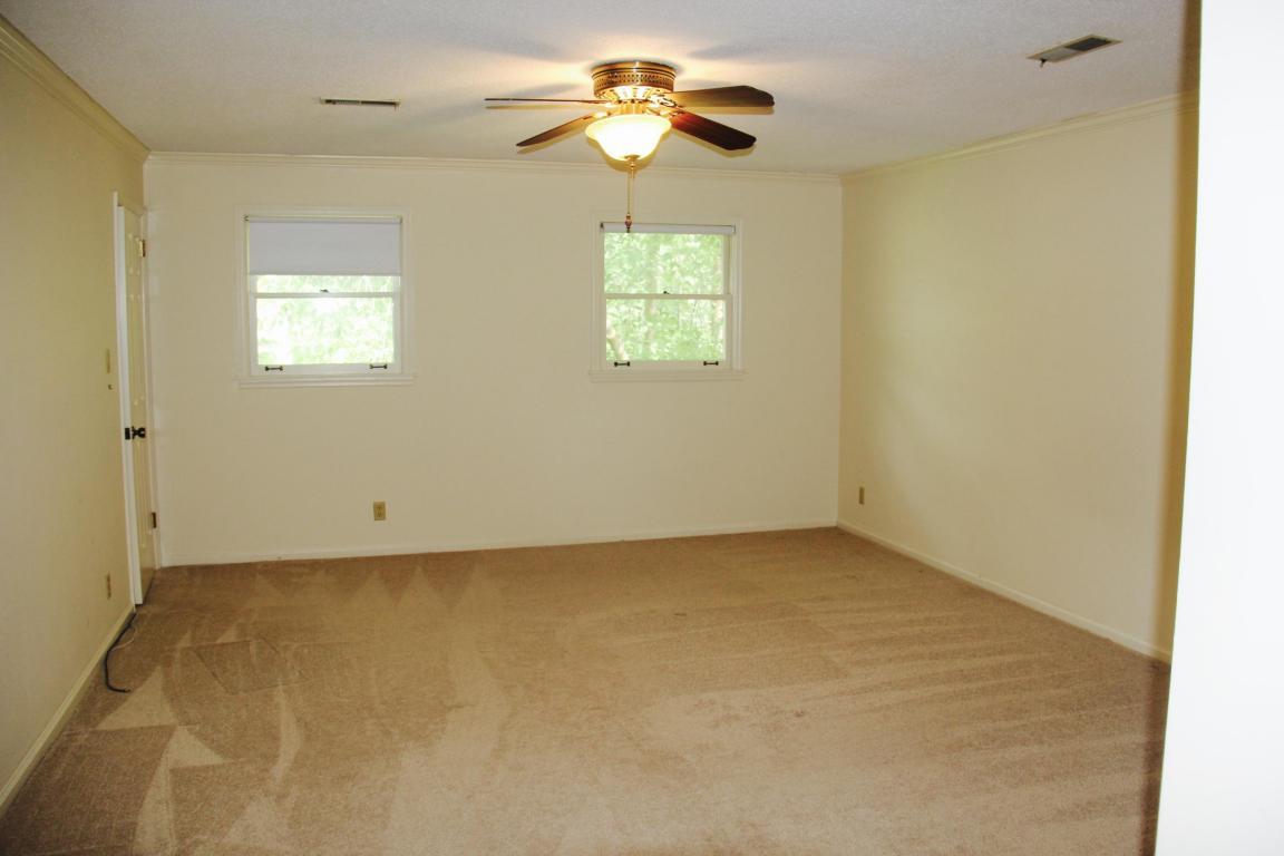 121 Clark Lane, Oak Ridge, TN 37830