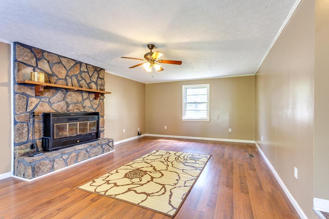 1225 Cedarwood Lane, Maryville, TN 37803