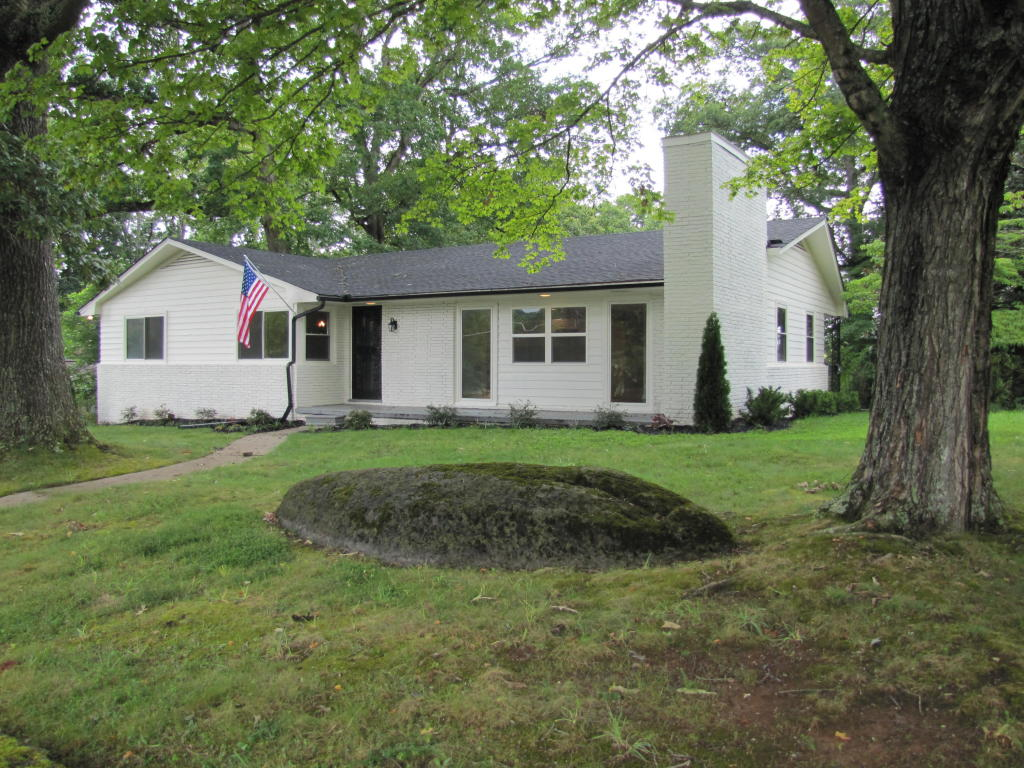 231 W Ford Valley Rd, Knoxville, TN 37920