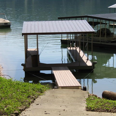 395 Fox Lake Lane, Lafollette, TN 37766