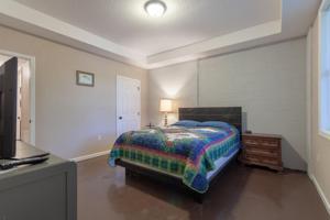 1177 Big Creek Rd, Lafollette, TN 37766