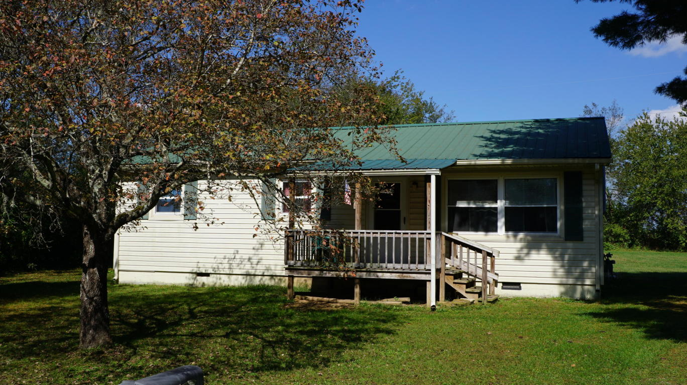 265 Mayberry St, Crossville, TN 38555