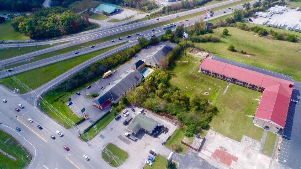 4049 N Main St, Crossville, TN 38555