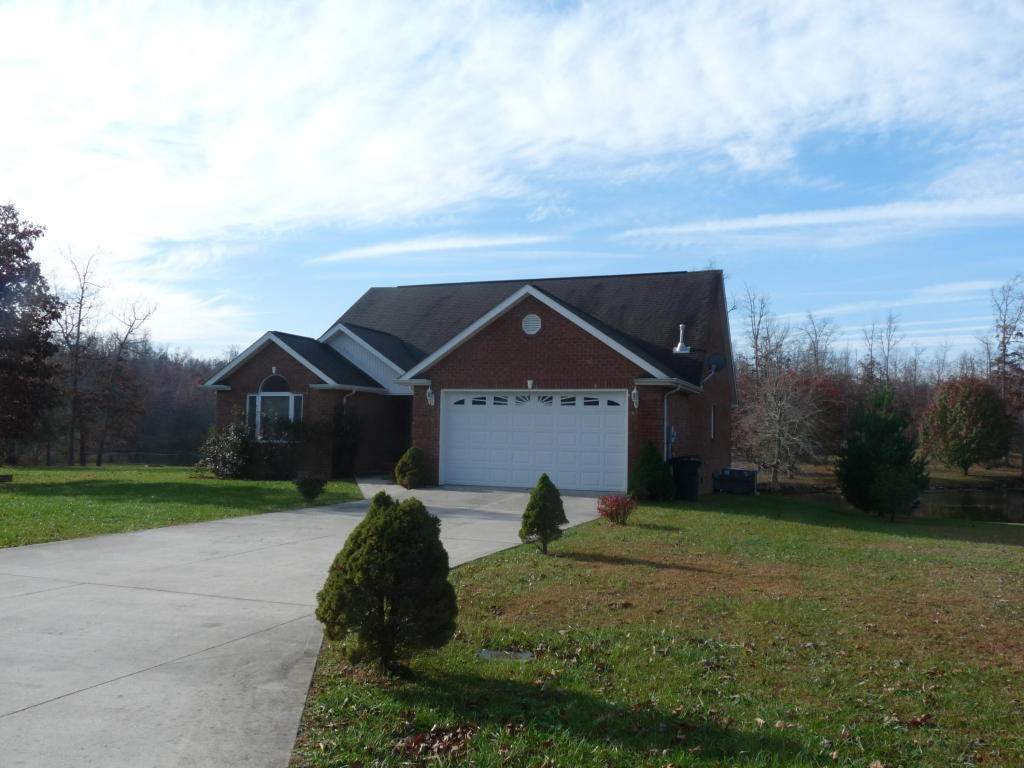 4036 Lone Wolf Circle, Crossville, TN 38572
