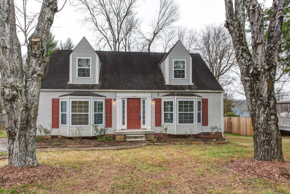 2000 Woodrow Drive, Knoxville, TN 37918