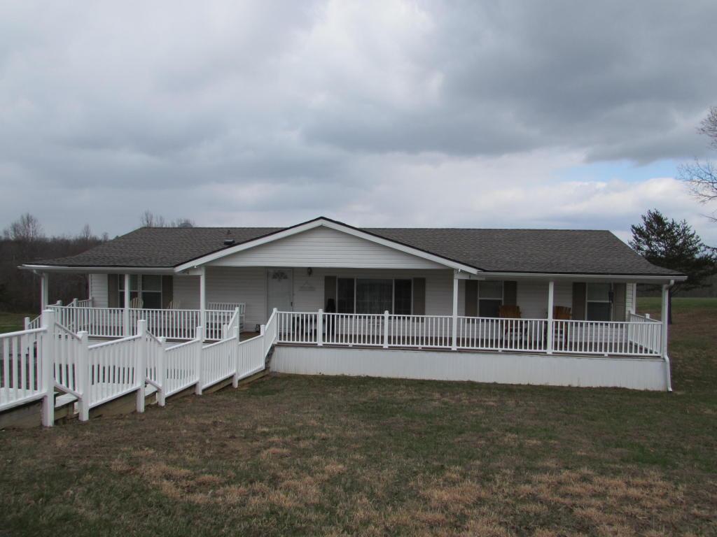 5248 Nashville Hwy, Deer Lodge, TN 37726
