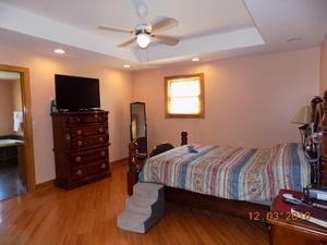 677 Twin Hills Lane, Jacksboro, TN 37757