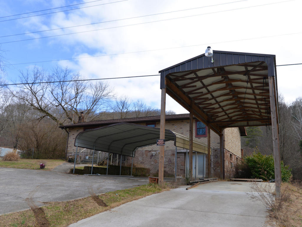 515 Mehaffey Rd, Powell, TN 37849