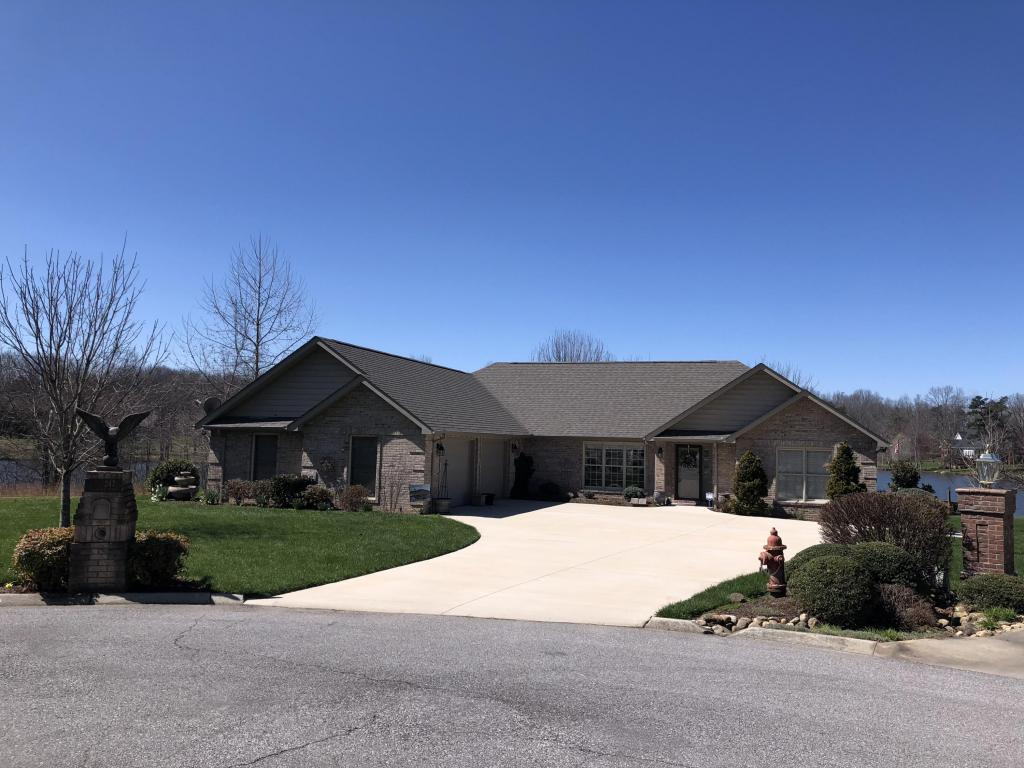 247 Goose Pointe Circle, Crossville, TN 38571