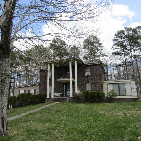 509 White Rock Rd, Jacksboro, TN 37757