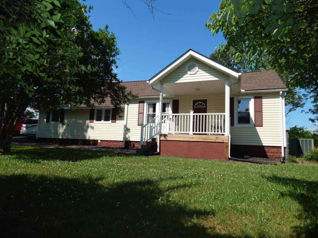 214 Willis Rd, Maryville, TN 37803
