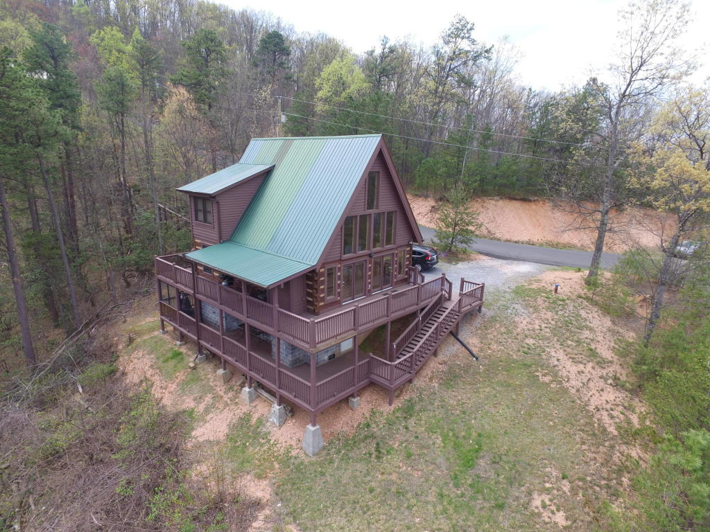 3059 Perry Circle Lane, Sevierville, TN 37862