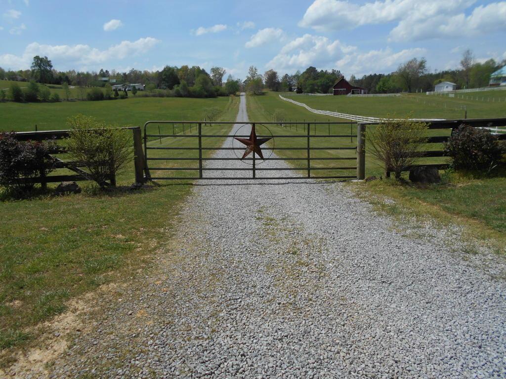 145 Wilson Circle, Tellico Plains, TN 37385