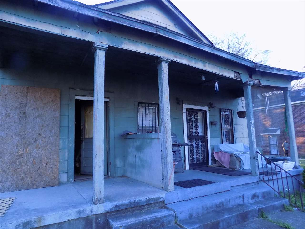 1447 Davis, Memphis, TN 38108