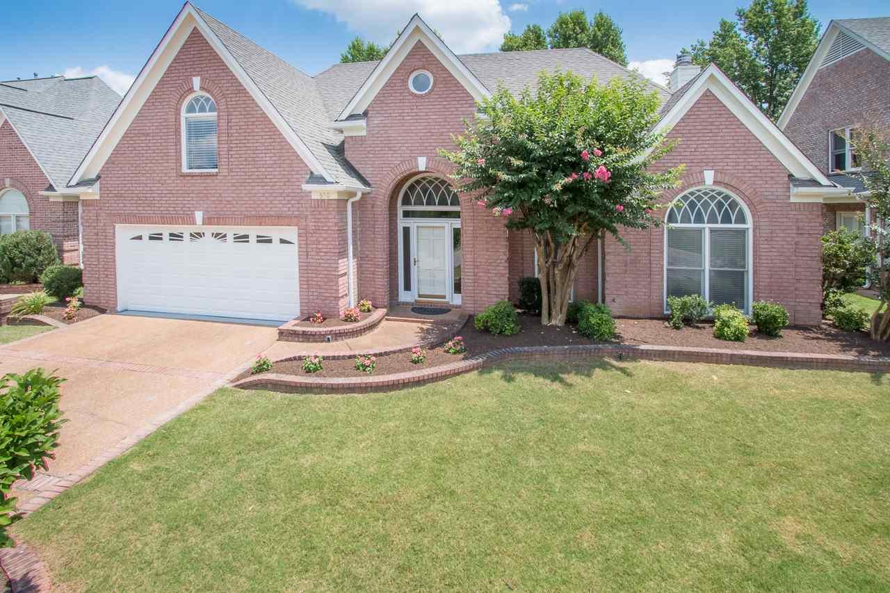650 E Warwick Oaks, Collierville, TN 38017