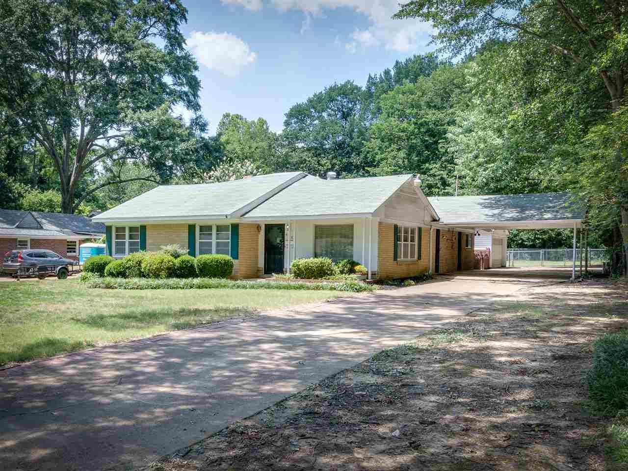 4558 Charleswood, Memphis, TN 38117