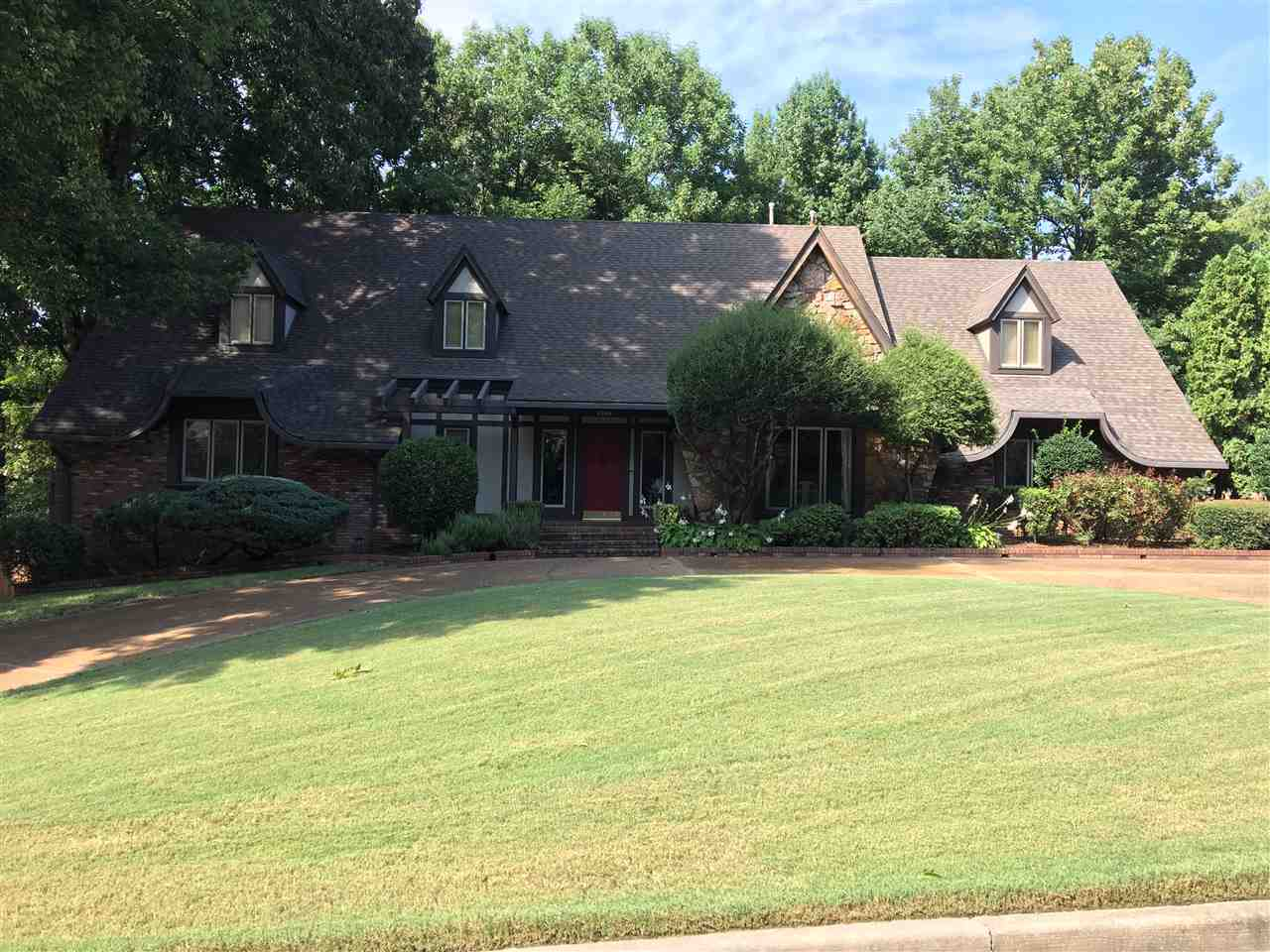 8886 Colins Barre, Germantown, TN 38139