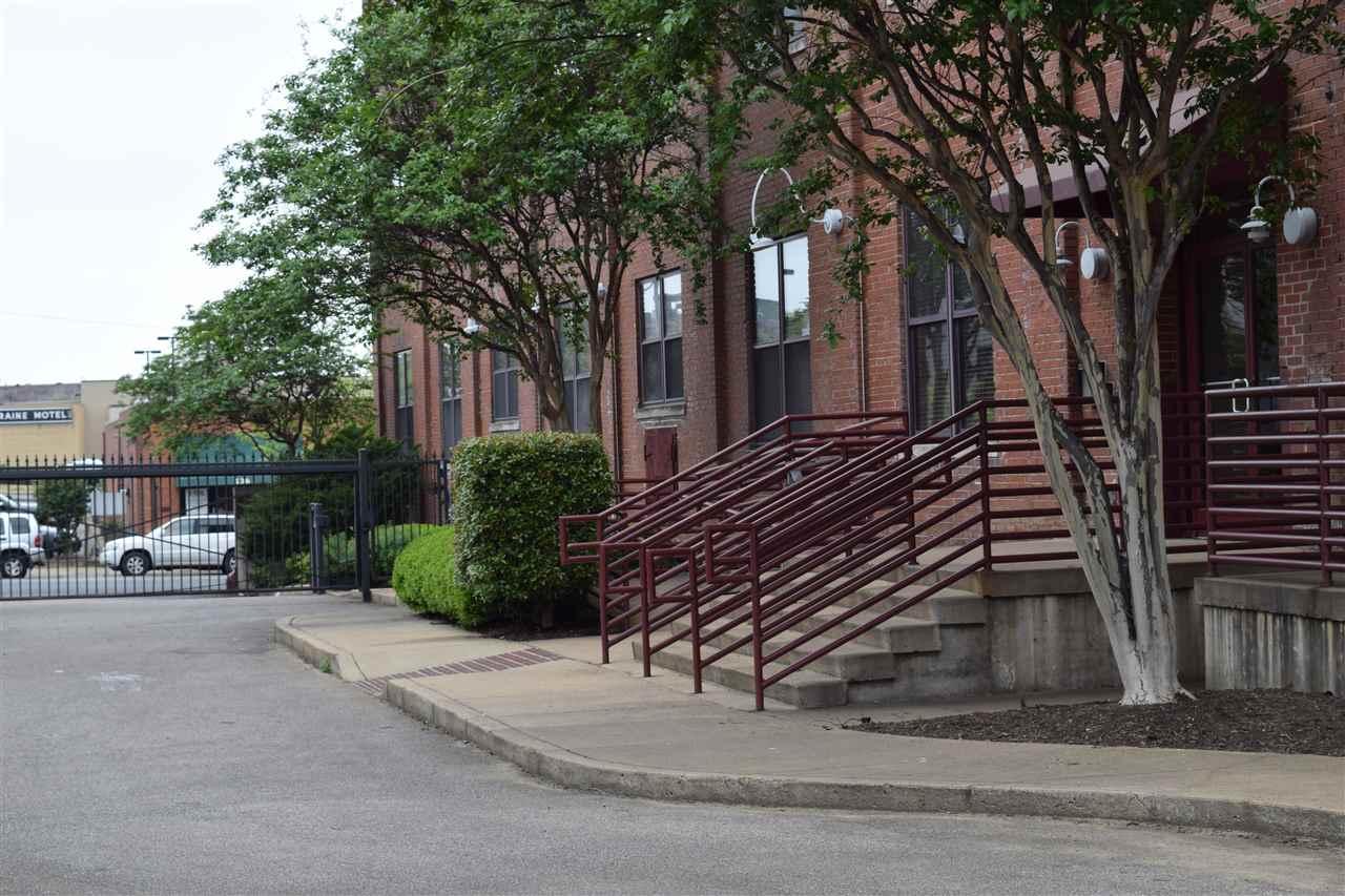 137 E G E Patterson, Memphis, TN 38103