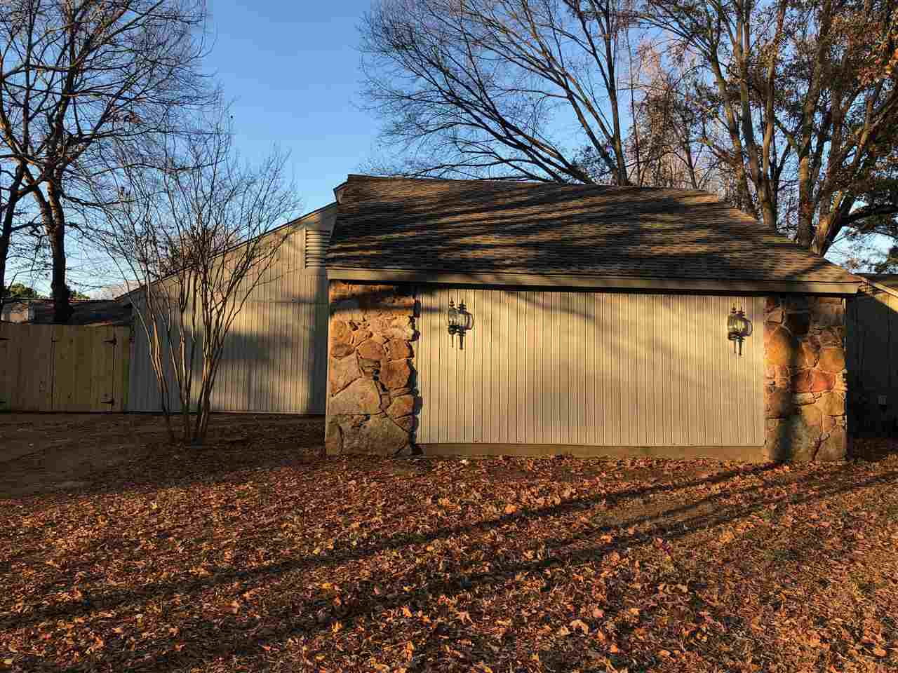 8296 Shallow Glen, Memphis, TN 38016