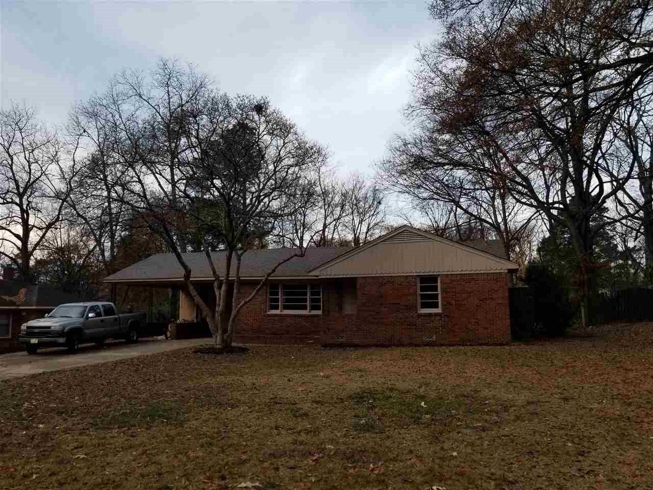 2795 W Lake Shore, Memphis, TN 38127