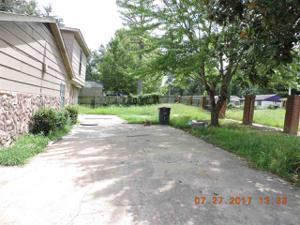 1185 Connemara, Memphis, TN 38109