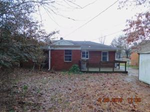 4274 Fredericks, Memphis, TN 38111