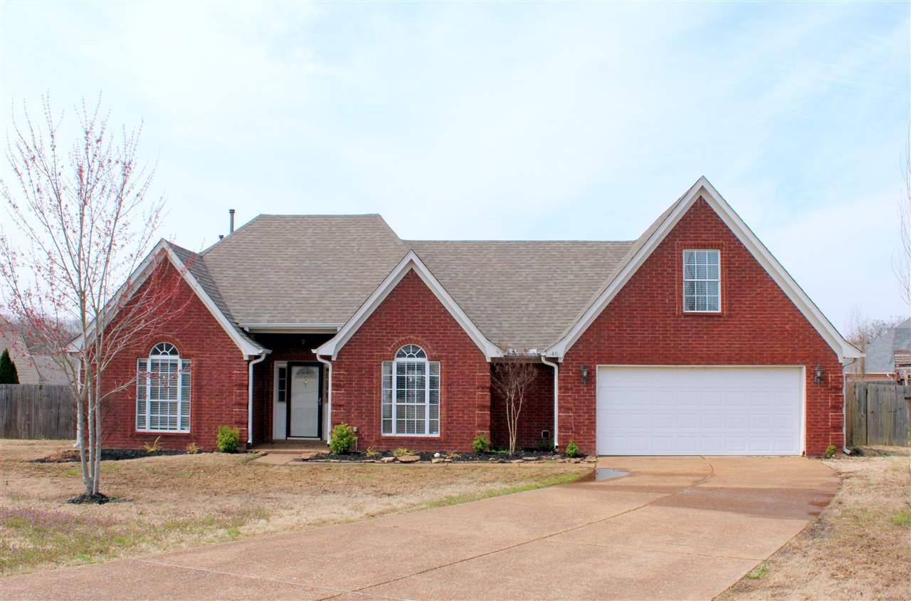 40 Royal View, Oakland, TN 38060