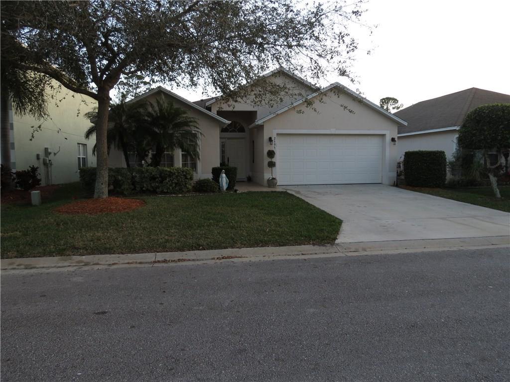 2595 12th Square Sw, Vero Beach, FL 32968