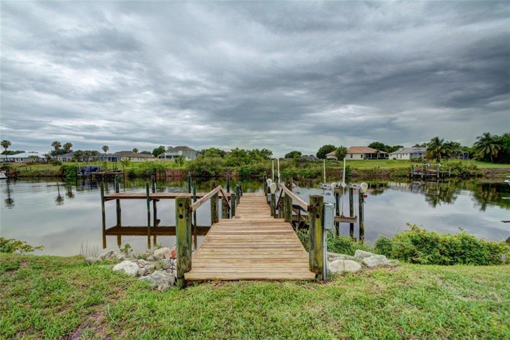 2636 Sw River Shore Drive, Port Saint Lucie, FL 34984